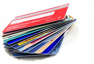 как вывести деньги с кредитной карты без комиссии